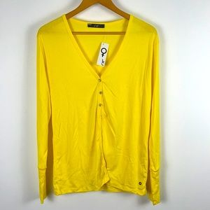 ✨3/$25✨NWT OR Yellow Button Up Jumper